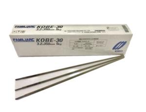 ลวดเชื่อมไฟฟ้ามีสารพอกหุ้มใช้ เชื่อมเหล็กกล้าไม่เจือและ เกรนละเอียดด้วยการเชื่อมอาร์กโลหะด้วยมือ FAMILIARC KOBE-30 เส้นผ่านศูนย์กลาง 3.2x350 มิลลิเมตร ขนาดบรรจุ 5 กิโลกรัม
